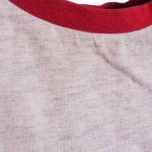 Piros ujjú feliratos felső (80-86)